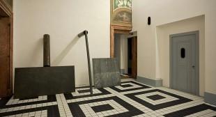 When Attitudes Return: A Legend Restaged in Venice