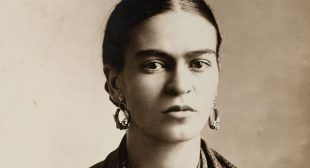 Frida Kahlo's Photos are Coming to Canada